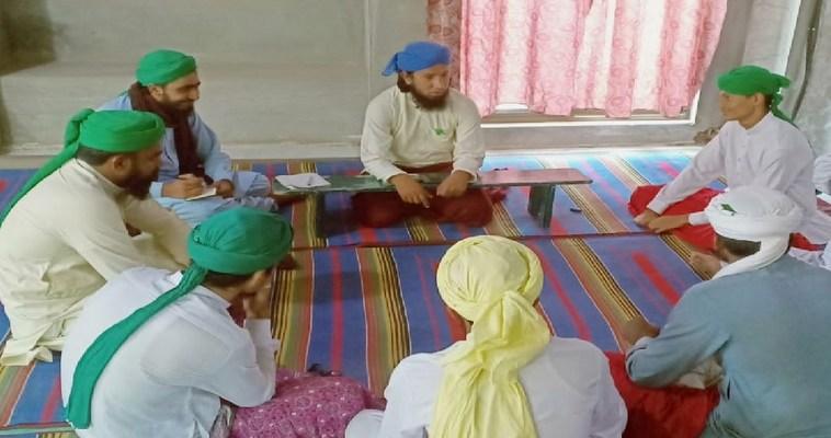 رائیونڈ مصطفیٰ  آباد  میں مدرسین کا اجلاس